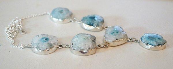 Des bijoux avec des pierres naturelles, pourquoi ?